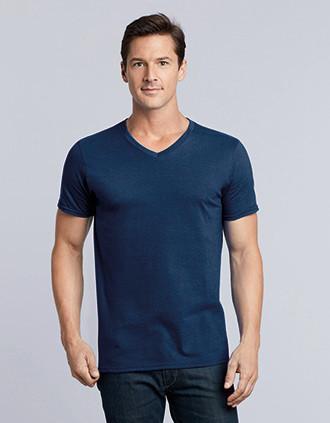 Camiseta Softstyle cuello de pico hombre
