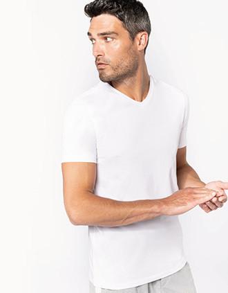 Camiseta con elastán cuello de pico hombre