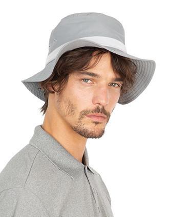 Sombrero con ala ancha